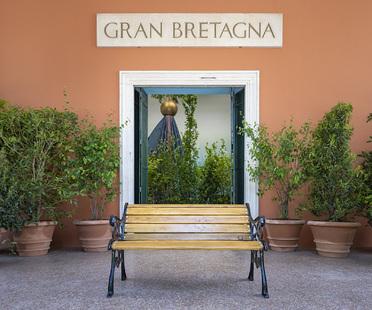 Biennale di Venezia, il padiglione UK presenta The Garden of Privatised Delights