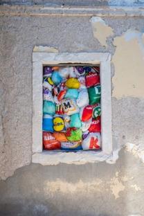 LuzInterruptus The Plastic We Live With alla Jelsa Art Biennial