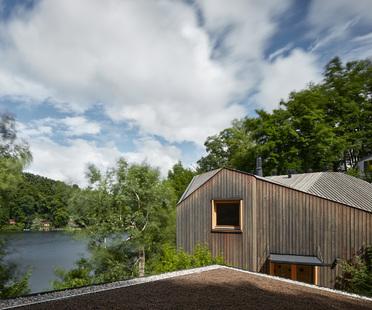 Un piccolo cottage che ricorda una nave di Prodesi/Domesi
