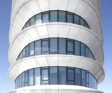 UNStudio: Torre per uffici sostenibile dal design aerodinamico