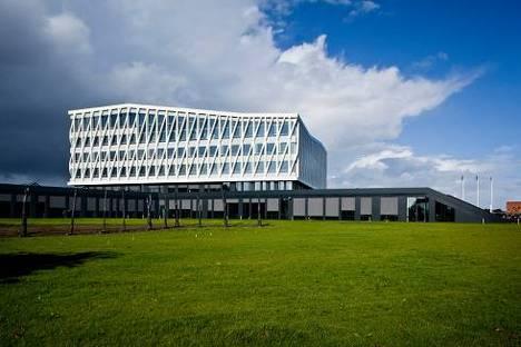 """Architettura sostenibile per la """"Viborg Town Hall"""" di Henning Larsen"""