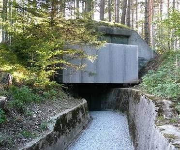 Riuso di una vecchia architettura militare. Atelier-f, Svizzera.