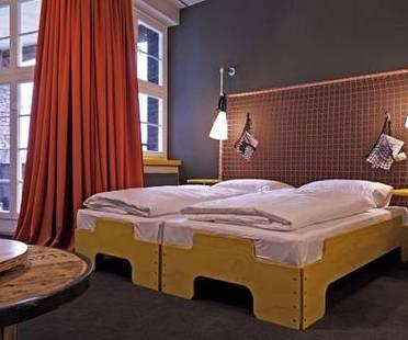 Superbude St. Pauli ad Amburgo: ostello-albergo sostenibile per budget e ambiente.