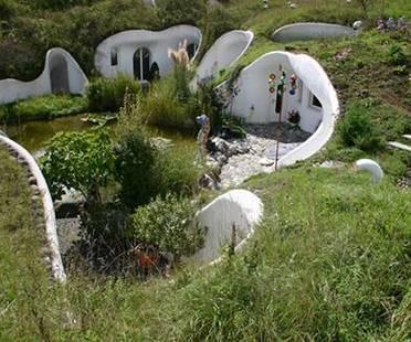 Forme organiche e bio-architettura. Case di terra.