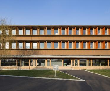 Scuola rinnovata: più sostenibile e anche più bella. Lem+ architectes.