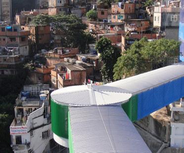 Un ascensore a Rio de Janeiro.