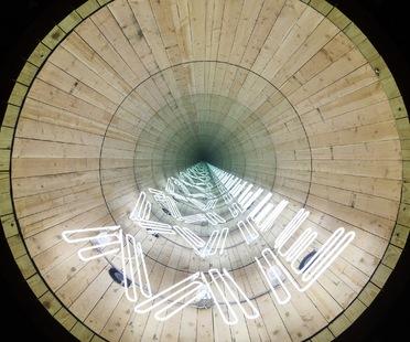 """""""This Land is Your Land"""". Installazione di Iván Navarro al Madison Square Park, NY."""