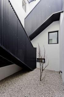 Hmarquitectos: Casa Conde, una casa per due