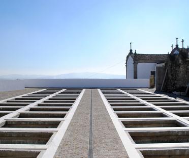 Ampliamento di un cimitero di Raulino Silva Arquitecto