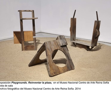 Mostra Playgrounds. Reinventing the Square al Museo Reina Sofia, Madrid.