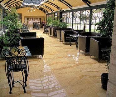 Hotels: spazi di benessere e accoglienza anche grazie alle superfici in gres