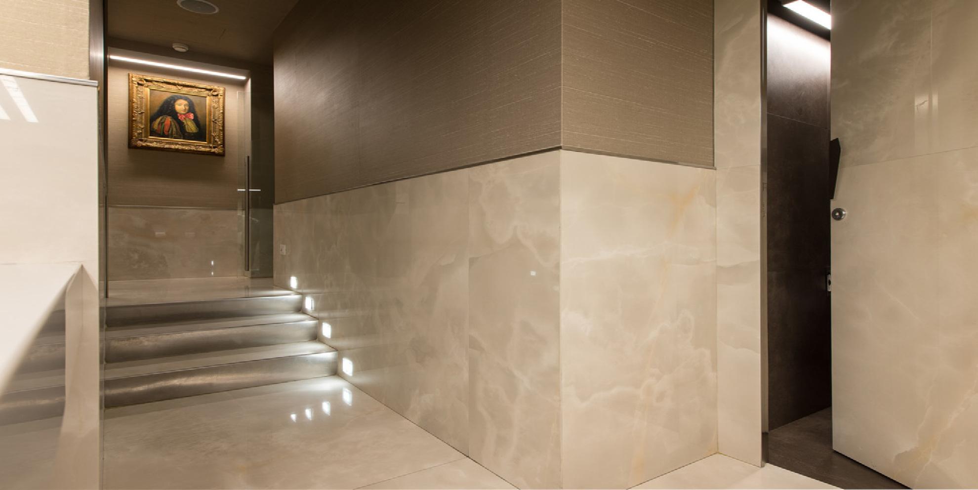 Piastrelle grandi formati effetto marmo superfici e innovazione
