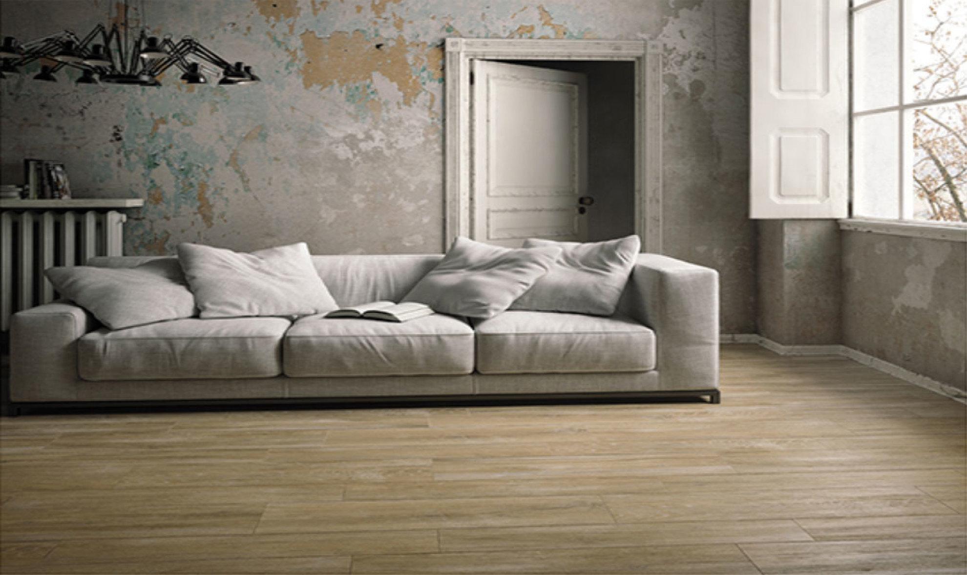 Piastrelle in gres effetto legno per ambienti interni ed esterni