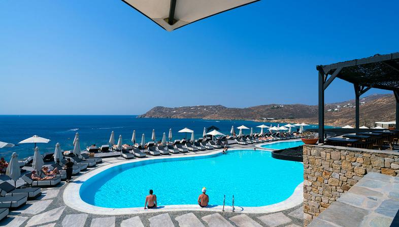 Ultra Ariostea: pavimenti e rivestimenti di hotel di lusso e ville del Mediterraneo