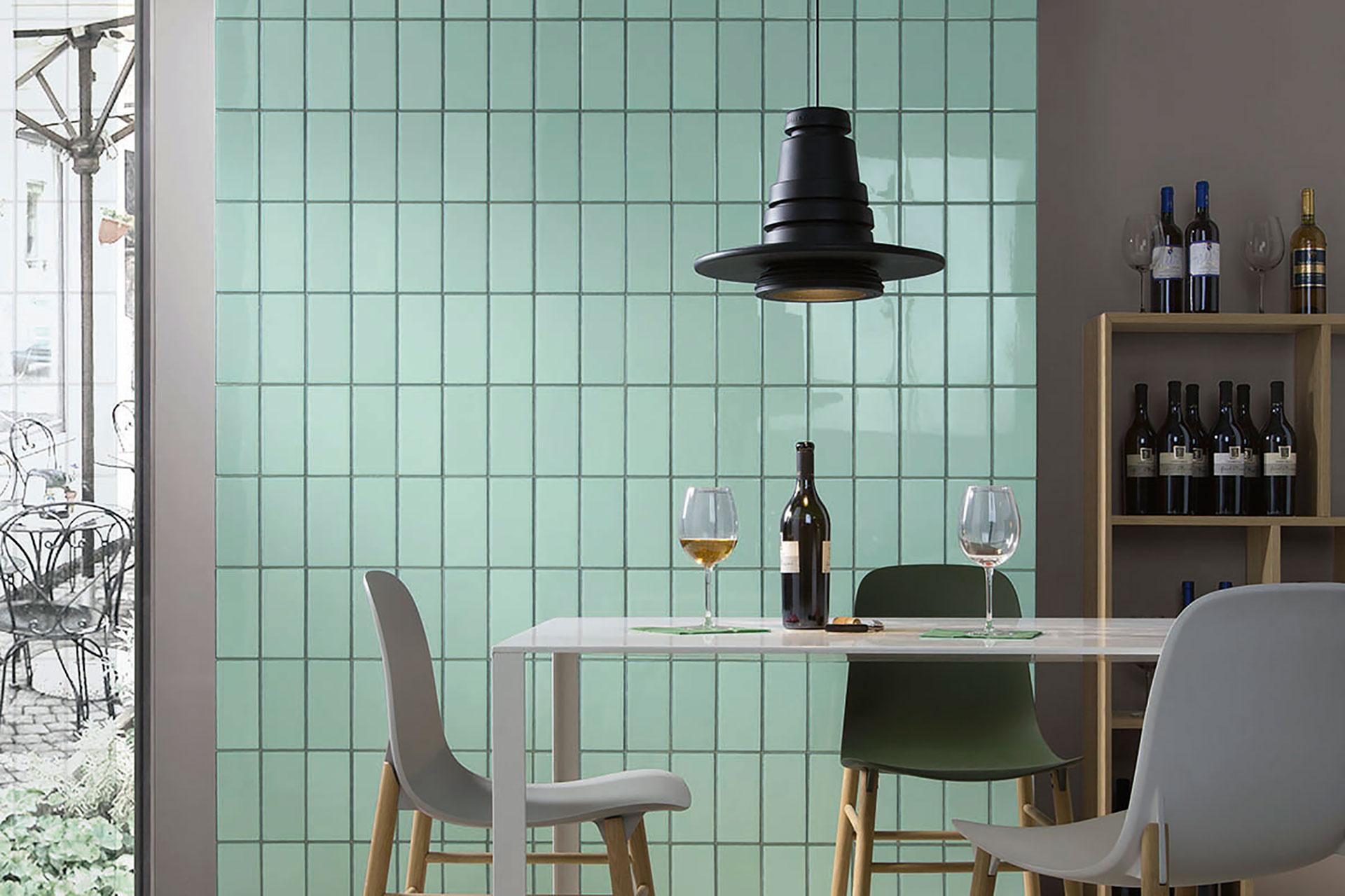 Iris Ceramica: personalizzare le pareti coi rivestimenti Quayside e Lol