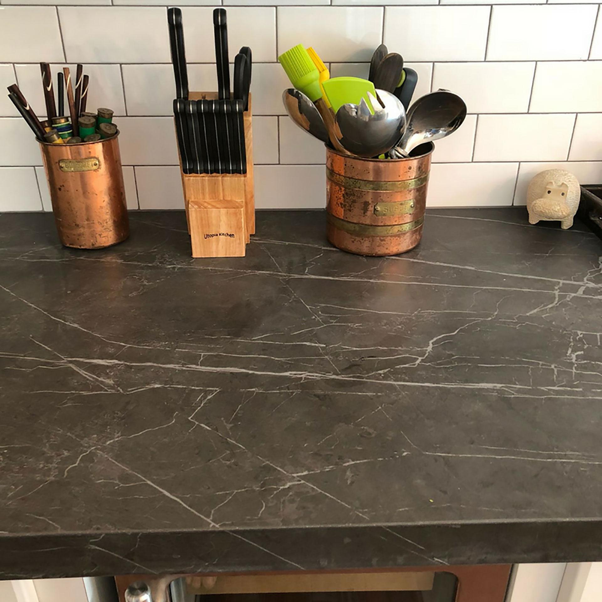 SapienStone: il gres porcellanato d'alta gamma diventa top cucina