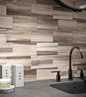 Creatività e armonia: i rivestimenti effetto legno Litt Wood di Iris Ceramica