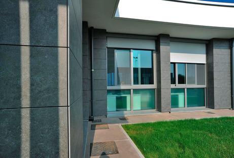 Facciate ventilate Ariostea: vantaggi e qualità estetica nelle grandi superfici esterne