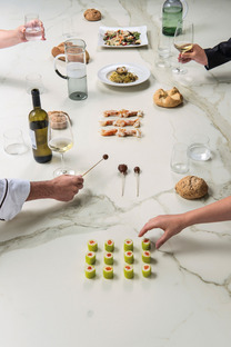 Bianco, luminoso e accogliente: il top SapienStone Calacatta per la cucina 2020