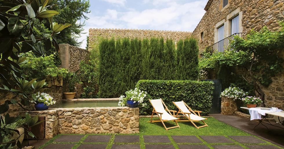 Come organizzare al meglio gli spazi outdoor: le superfici in gres porcellanato
