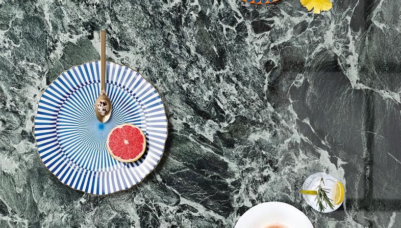 Alpi Chiaro Venato: eleganza e praticità in cucina con il top SapienStone