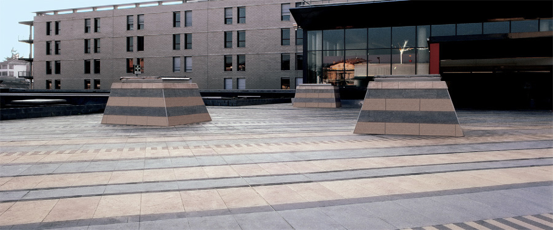 Pavimenti per esterni piastrelle sottili posa su pavimenti - Posare parquet flottante su piastrelle ...
