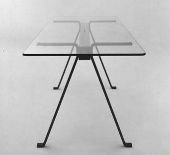 biografia dell 39 architetto enzo mari. Black Bedroom Furniture Sets. Home Design Ideas
