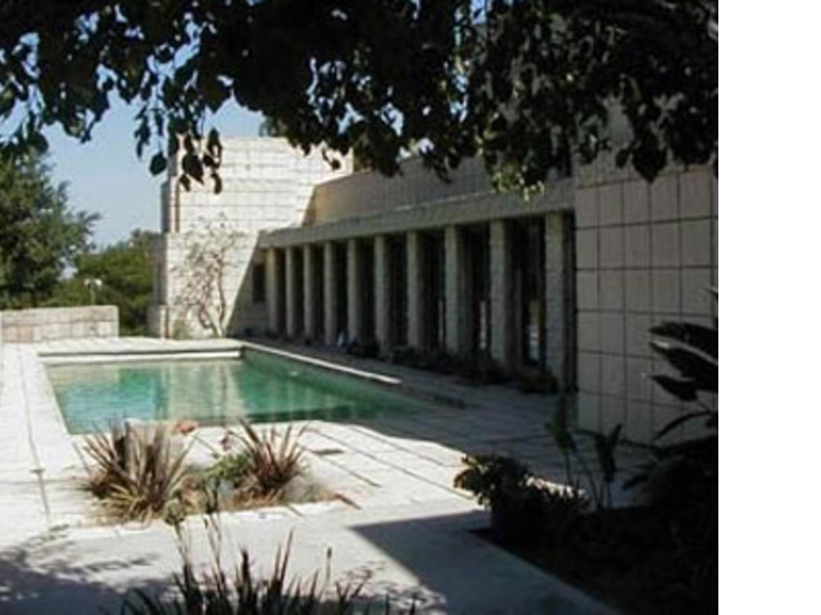 Biografia dell 39 architetto frank lloyd wright for Franco case dei progetti di lloyd wright