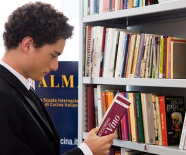 I consigli di lettura di Marino Marini, bibliotecario di ALMA<br /> <script> </script>