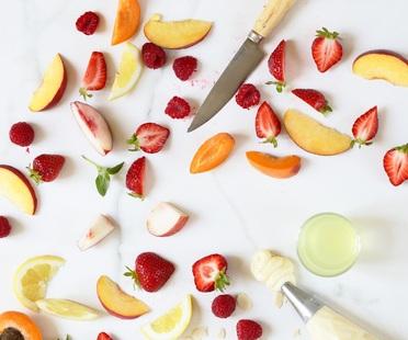 <strong>Crostata di frutta - ricetta di Un d&eacute;jeuner de soleil</strong><br />