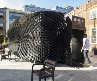 """Padiglione in legno effetto pelle """"The Bolt"""" per Shinola di Giles Miller Studio"""