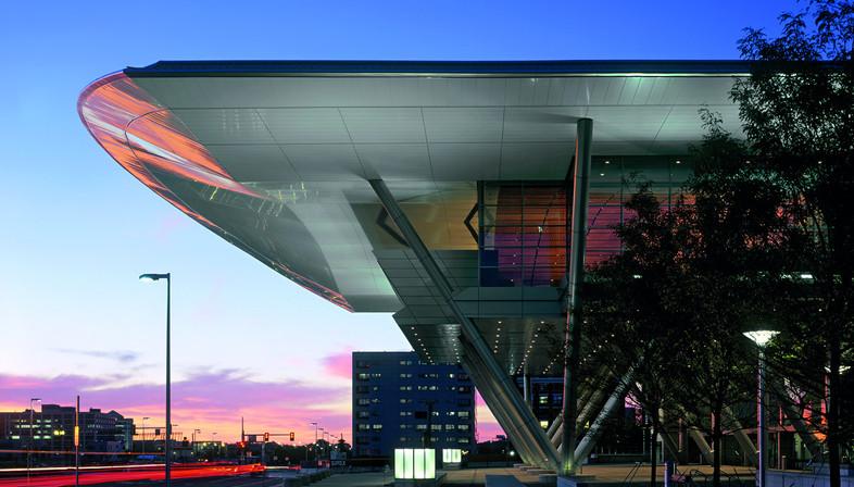 Exibition e Convention center in acciaio e vetro a Boston di Rafael Viñoly