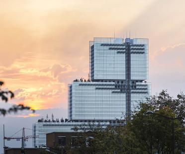 Facciata in vetro e pannelli fotovoltaici per il Palazzo di Giustizia di Parigi di RPBW