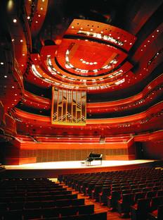 Musica sotto una volta di vetro e acciaio al Kimmel Center di Viñoly a Philadelphia