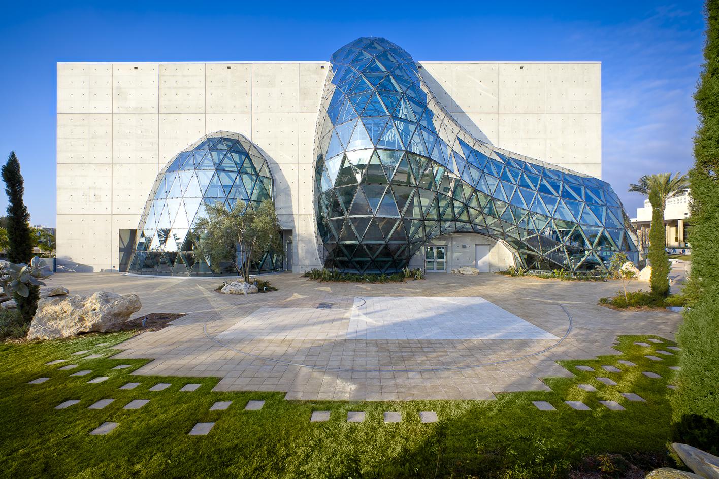 Cemento e bolla di vetro e acciaio per il Museo Dalì di St. Petersburg in Florida di HOK