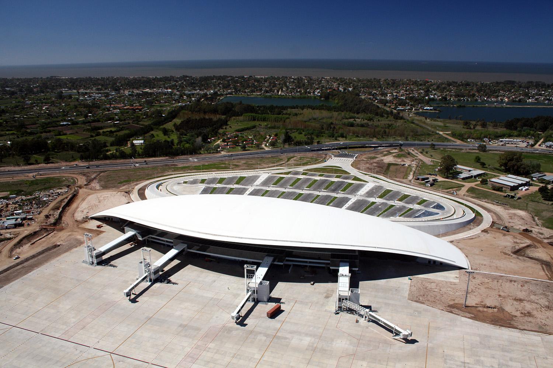 La copertura del Carrasco International Airport di Viñoly a Montevideo