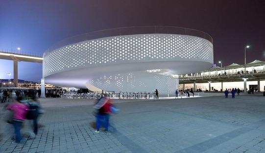 La doppia spirale chiusa del padiglione dell'XPO 2010 di Bjarke Ingels