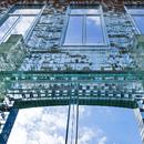 Crystal House di MVRDV: una facciata di mattoni di vetro.