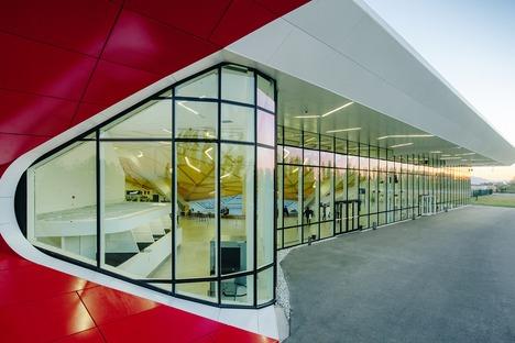 Alluminio, acciaio, vetro e legno per il Kutaisi airport di UNSTUDIO