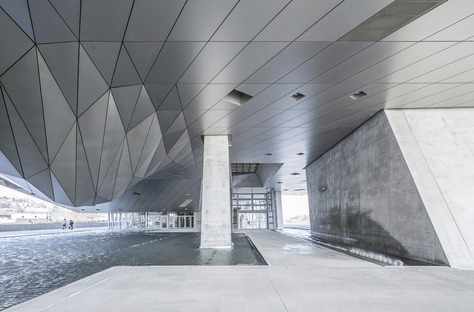 Musée des Confluences in acciaio, vetro e cemento di Coop Himme(L)blau