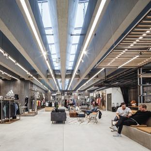 Grandi travi di cemento per l'Adidas headquarters di COBE