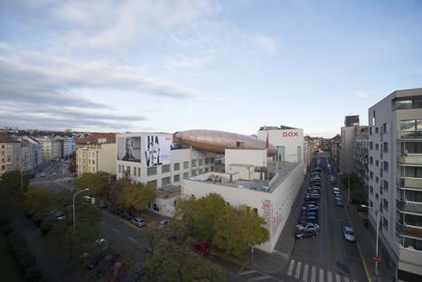 Auditorium in legno, acciaio e plexiglass Gulliver a Praga