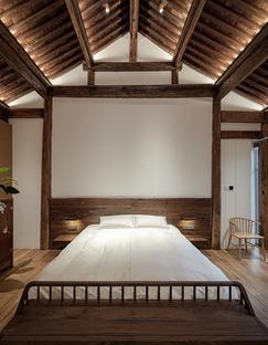 Casa ristrutturata in legno, mattoni e bamboo lamellare a Beijing