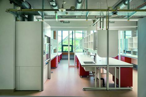 Frangisole fisso in alluminio per l'AGORÀ di Behnisch Architekten