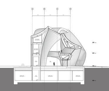 Il museo della scultura del legno di MAD è in acciaio lucidato