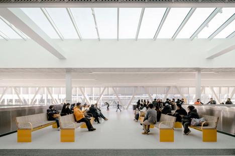 Il Värtaterminalen di C.F. Møller Architects, in acciaio e vetro