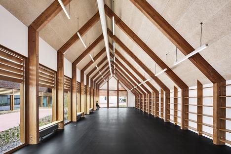 Legno e terracotta per un Polo sociale a Cabourg di Lemoal Lemoal architects