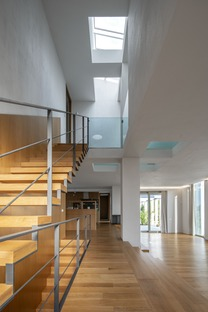 Casa wagneriana in cemento di B.K.P.Š. Architetti