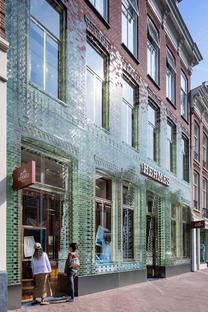 Crystal House Amsterdam, Netherlands, Flagstore Herme, Courtesy of MVRDV